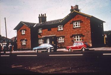 Cottages on Main Street, Halton